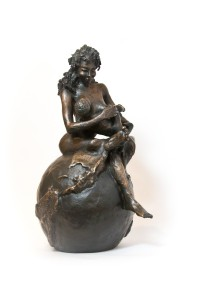 sculpture-bronze-femme-face-details - switch