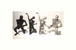 personnage bronze noir et argent